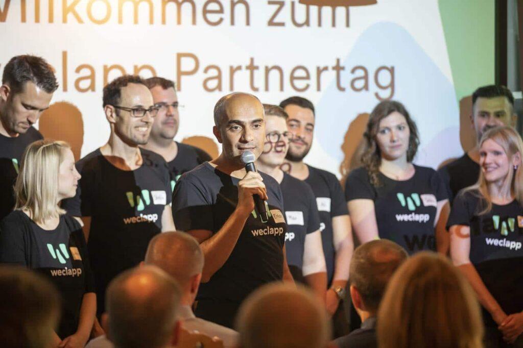 CEO Ertan Özdil beim Partnertag